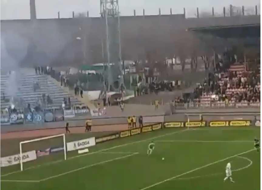 «На стадионе присутствовал Петр Порошенко»: Во время матча Мариуполь-Динамо прогремел взрыв