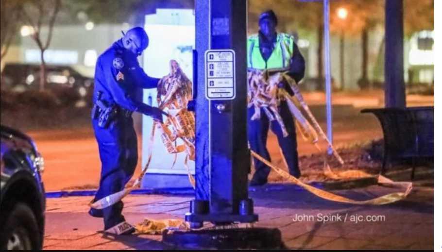 По дороге из ночного клуба: Неизвестные обстреляли кортеж известного боксера