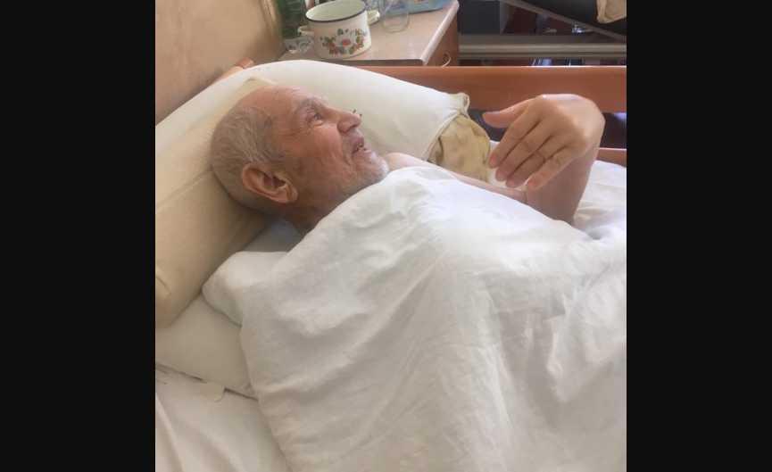 «Врачи не говорят. Сын приходит, посещает меня …»: Пенсионер которого сбил кортеж Порошенко дал первое интервью