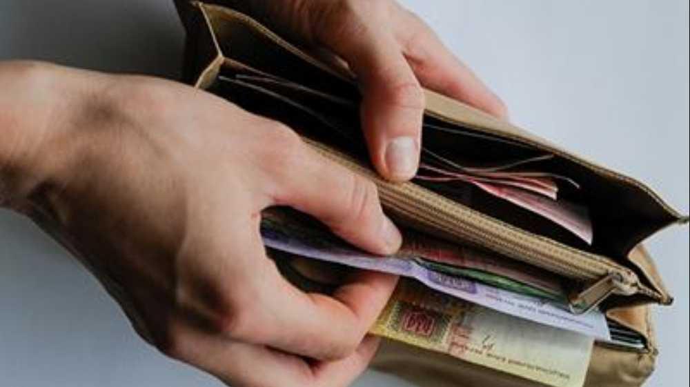 Украинцам придется отдавать 15% зарплаты на будущую пенсию. Что нужно знать
