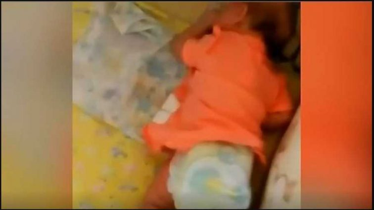 «А почему нет, муж тоже так делает»: Мать издевалась над ребенком и снимала эти зверства на камеру