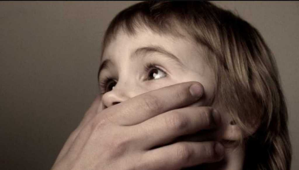 Школьник просто вышел в туалет: педофил надругался над 11-летним мальчиком