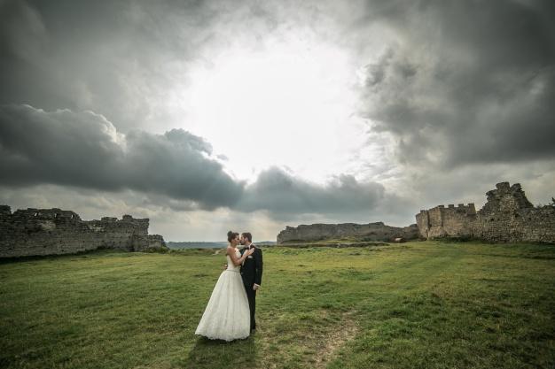 «Мужчина умер через три недели после свадьбы…»: Сестра покойного рассказала о возмутительном поведении невесты