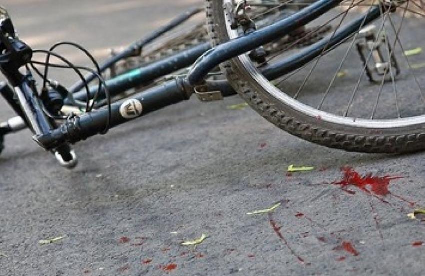 «От полученных травм умерла в карете скорой»: На Львовщине автомобиль насмерть сбил 15-летнюю девушку