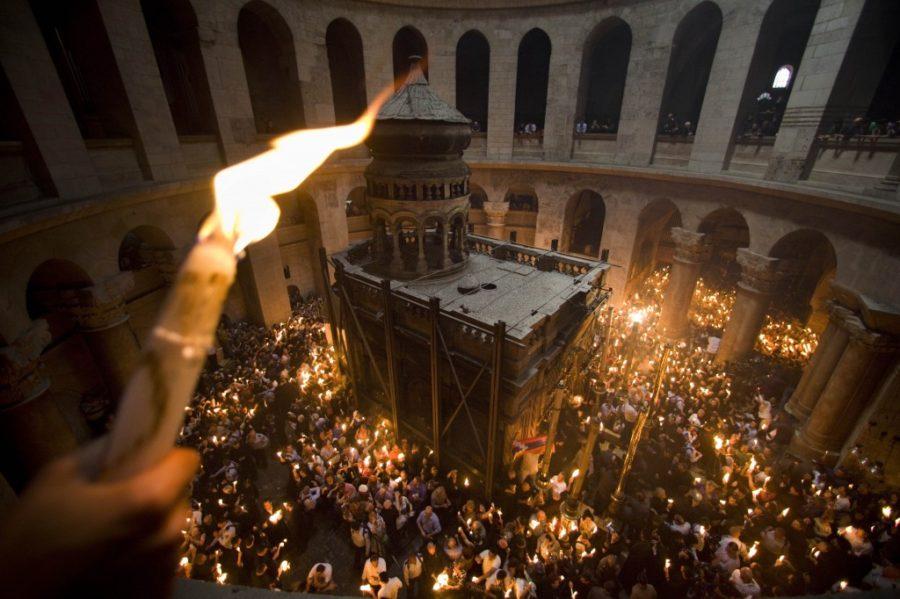 В храме Гроба Господня в Иерусалиме произошло чудо. Первые кадры