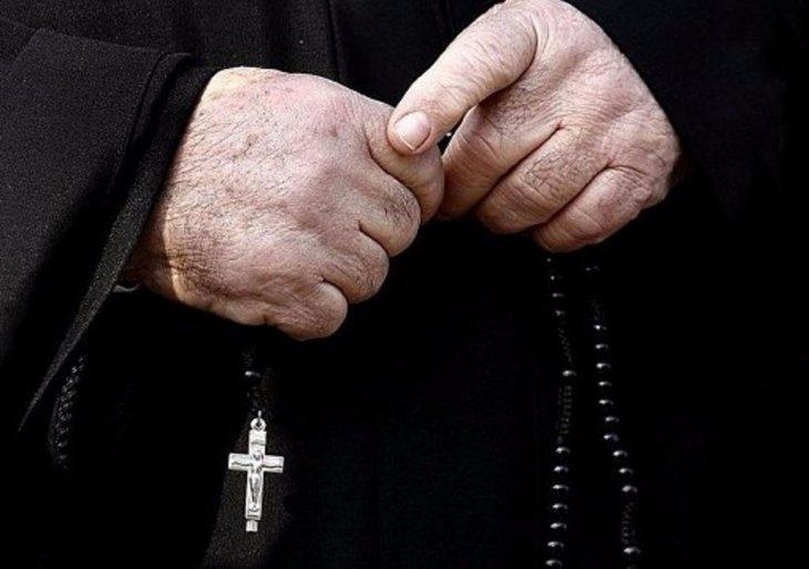 «На мой взгляд, она была похожа на вампира»: Священник утопил девушку во время крещения в реке
