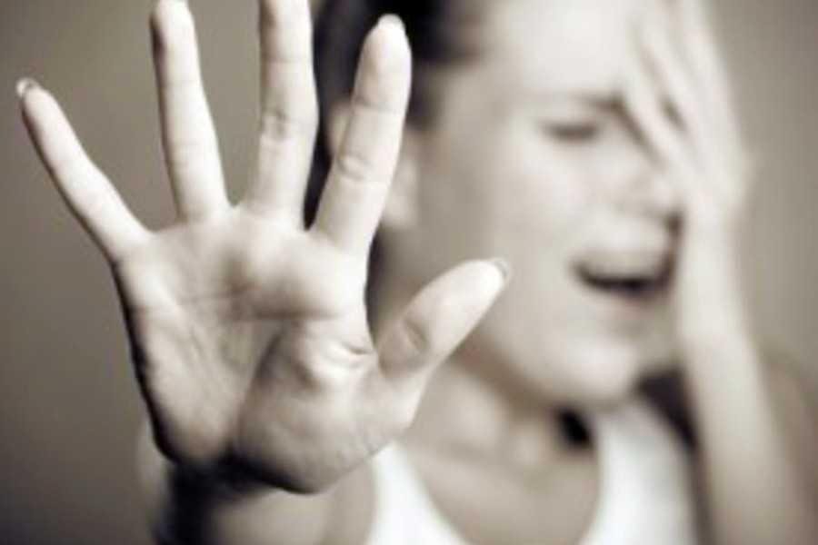 «Убедитесь, что этот выр*док, гниет в аду …»: Записка девушки, которая покончила с собой после изнасилования отчимом, ошеломила всех в зале суда