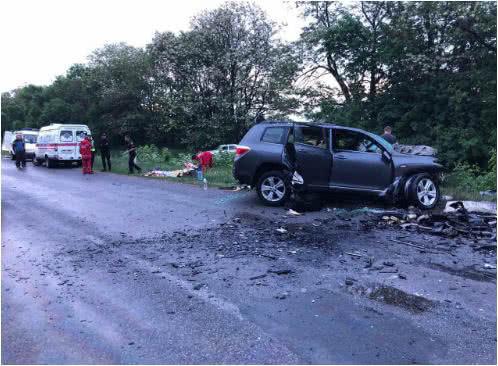На Кировоградщине произошло кровавое ДТП: Среди погибших — маленькие дети