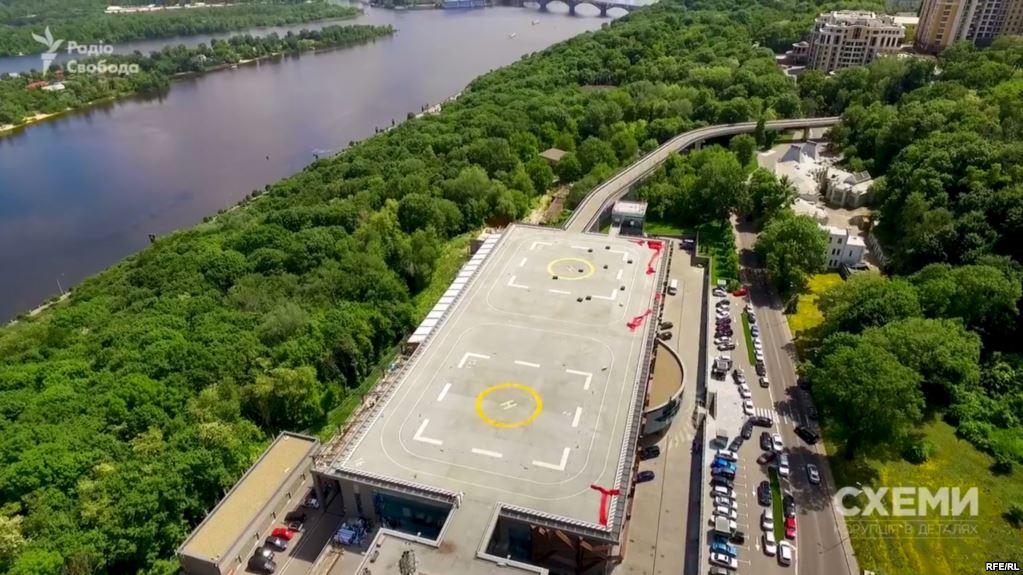 Порошенко обещал отдать государству, а сам…: Стало известно, кому сейчас принадлежит скандальная вертолетная площадка Януковича