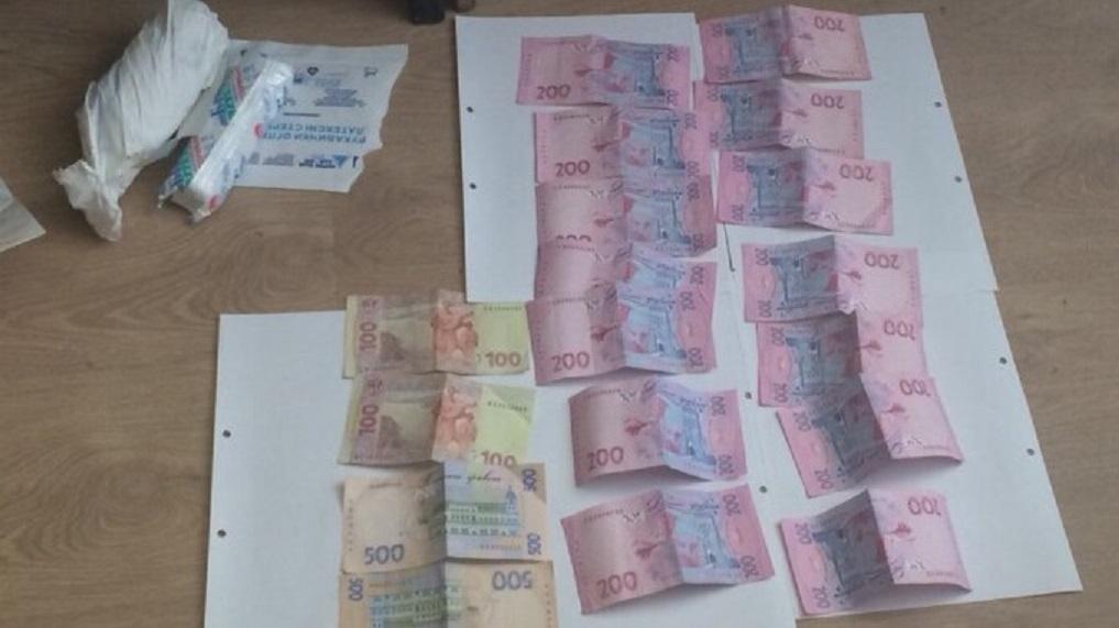 Поймали на получении взятки еще одного крупного чиновника: В Тернополе прогремел скандал