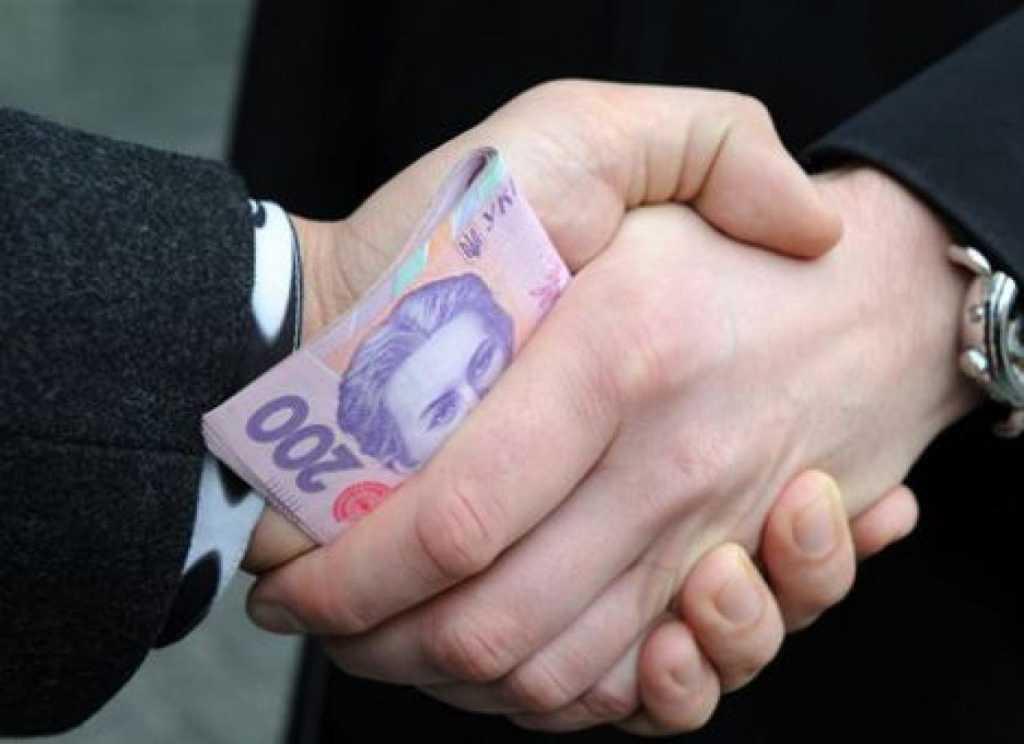 На Киевщине депутат «погорел» на взятке в 7 тысяч долларов