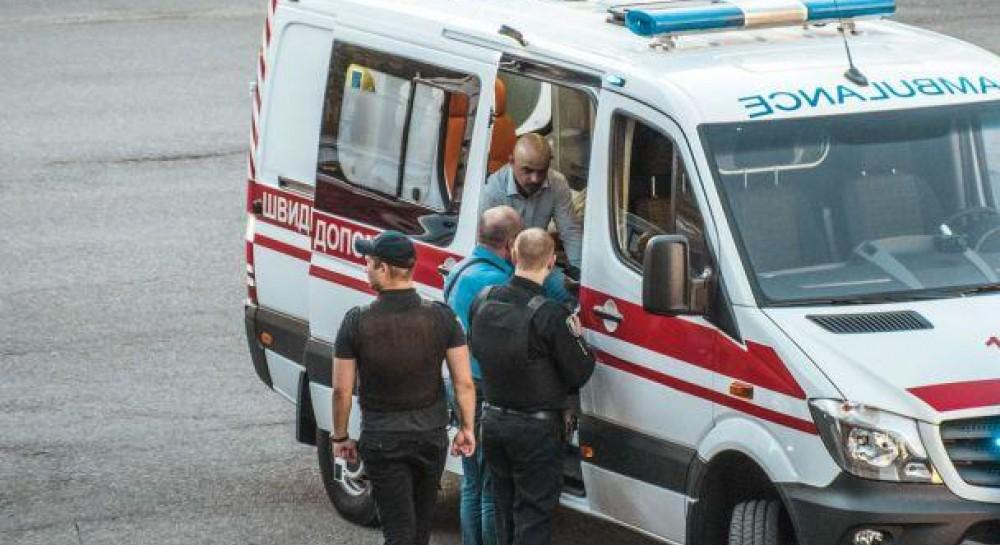 «Приходят письма с требованием…»: Избитый молодыми мажорми депутат заявил об угрозах