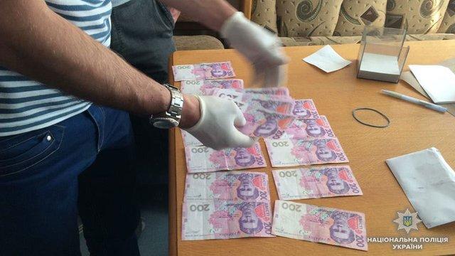 В Киеве попались на взятках чиновники-коррупционеры