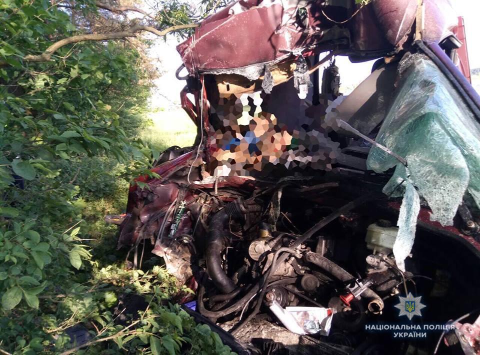 Тела просто смешало с железом: 6 человек погибло в результате страшной аварии на Львовщине