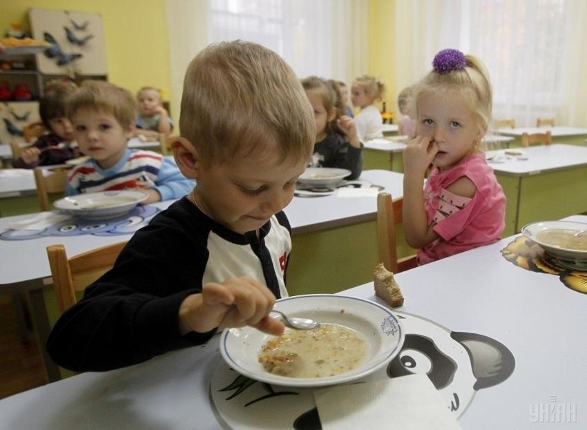 Отравление в детском саду на Львовщине: Детей госпитализировали в больницу