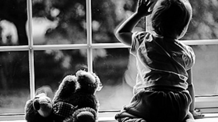 «Когда увидела ежемесячное пособие…»: Женщина сдала внучку в детдом из-за маленьких выплат