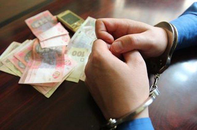 «Поймали на горячем»: СБУ задержало чиновника-взяточника