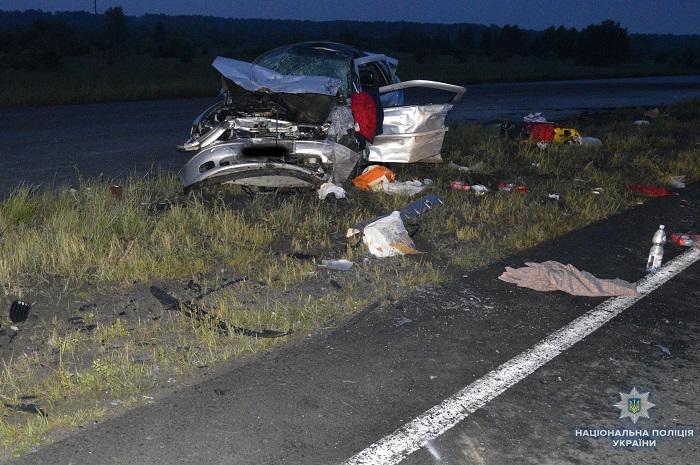 Изуродованное тело вырезали из авто спасатели: На Львовщине произошло смертельное ДТП
