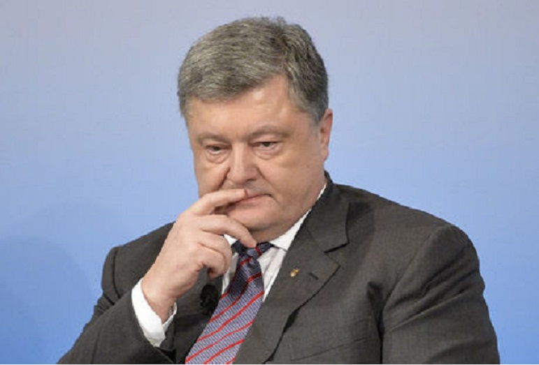«Этим занимается лично …»: Петра Порошенко обвинили в насилии над пожилой женщиной