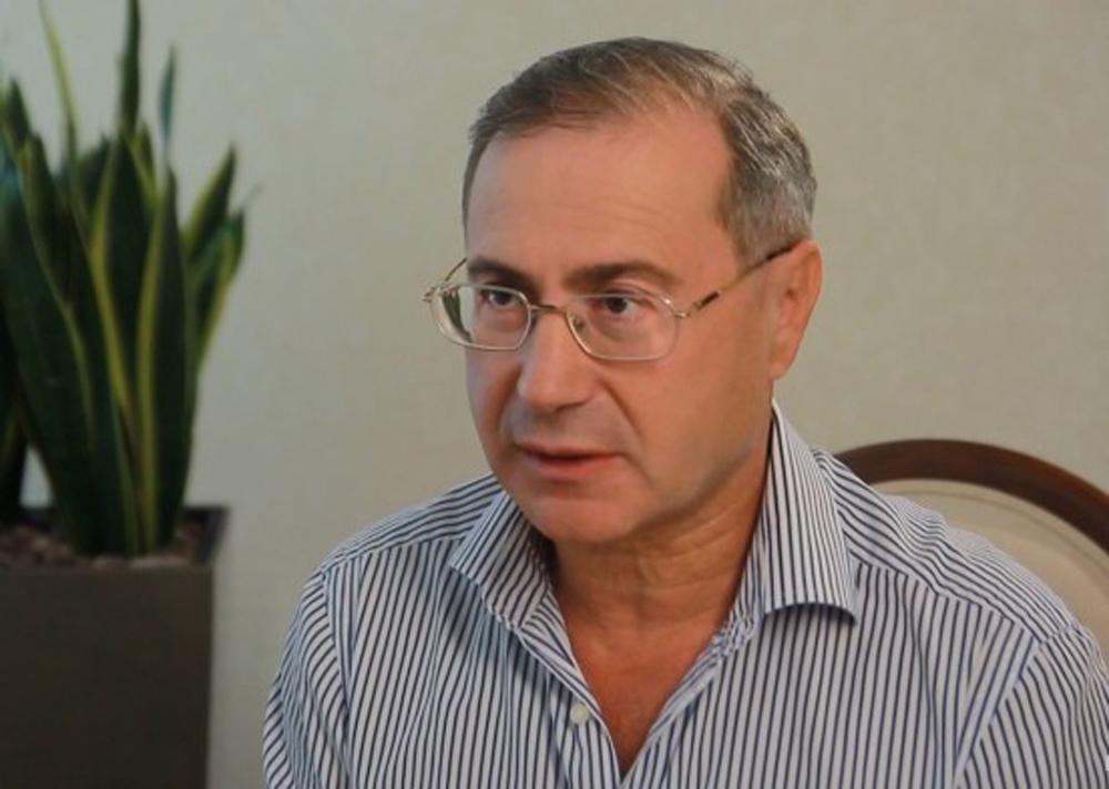 «Я тебя закопаю…»: Нардеп Порошенко набросился на активиста