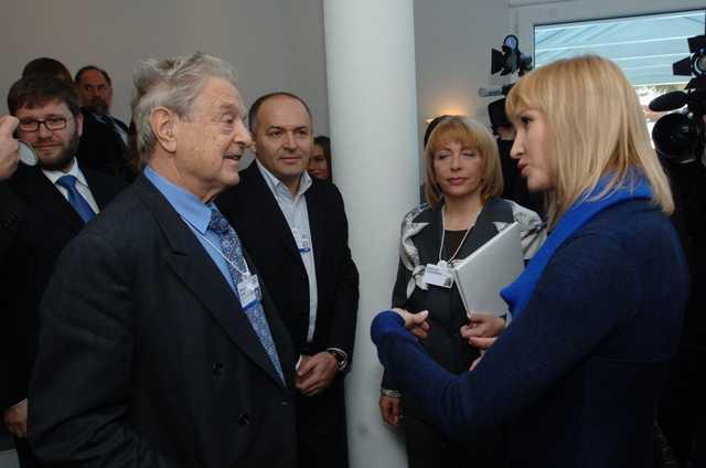 Дограбить остатки потапаючого корабля: Журналист назвал истинную причину создания Пинчуком и Соросом проекта «Народные лидеры»