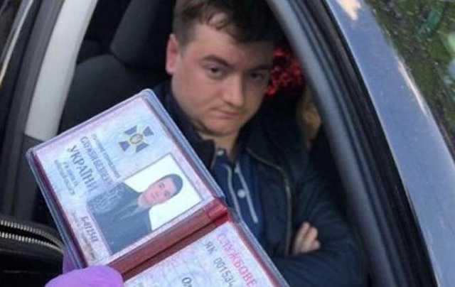 Элитные авто, огромные дома и квартиры: Украинцев удивила богатая жизнь пойманного на взятке СБУшника