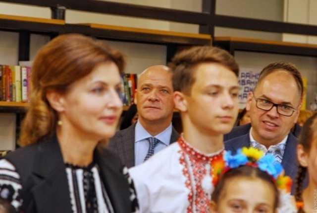 «В День вышиванки присоединилась …»: Марину Порошенко застукали в компании одиозного Геннадия Труханова