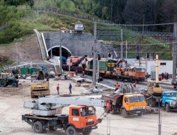 Сегодня во Львовскую область приедет Петр Порошенко, чтобы открыть Бескидский тоннель