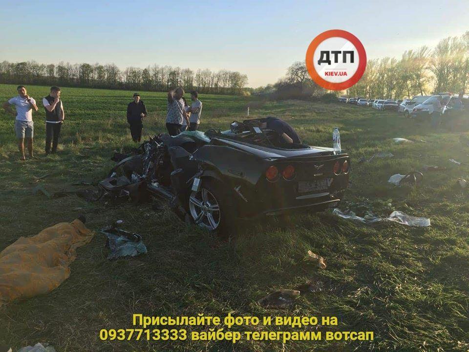 Нетрезвый сотрудник МВД на Toyota разорвал Corvette: В страшном ДТП под Харьковом погиб известный гонщик