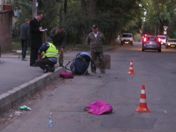Ужасное ДТП: Маршрутка наехала на коляску с ребенком