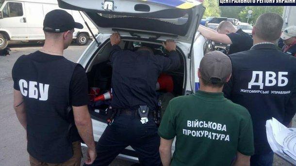«Оборотень в погонах» Полицейский попался на вымогательстве взятки