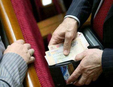 Миллиарды гривен, громкие скандалы и коррупционные схемы: Что известно о пяти самых богатых народных депутатах Украины