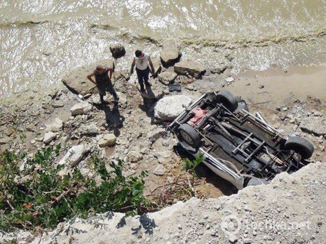 «Сорвались на авто с 30-метрового обрыва …»: Погибла целая семья. В машине было 6 детей!
