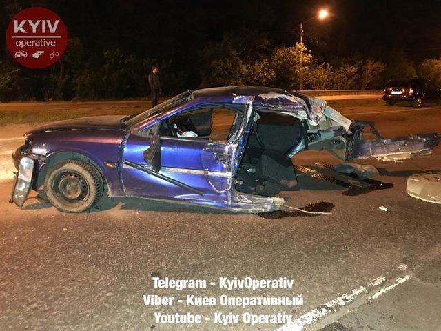 Жуткое ДТП в столице: Автомобильные детали разбросало по дороге, виновник скрылся с места происшествия