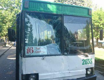 «Троллейбус влетел в маршрутку»: В ДТП пострадало много людей