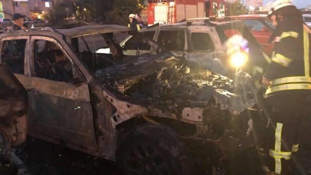 На глазах у полиции сожгли автомобиль помощника нардепа. Подробности инцидента