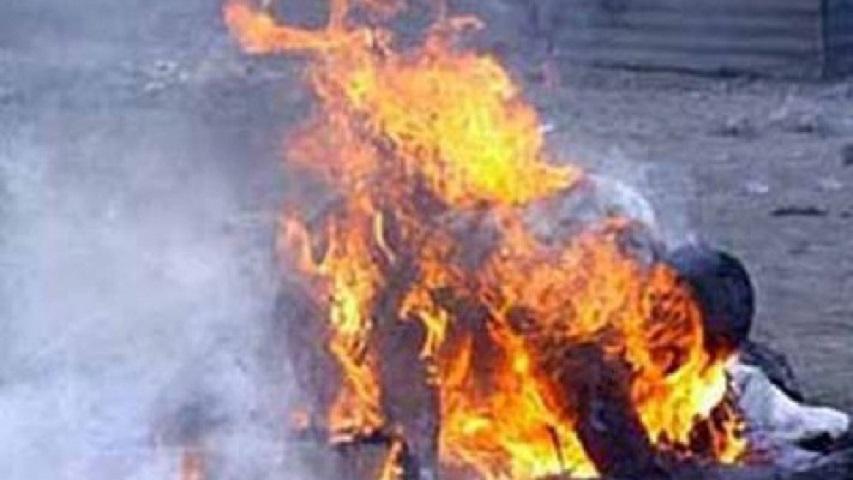 «Облила водкой и…»: 12-летняя девочка сожгла спящего бомжа