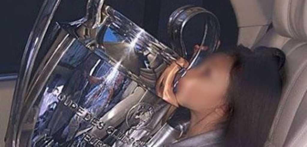 «Кубок Лиги чемпионов пошел по рукам …»: Павелко сделал из главного трофея игрушку для своих девочек