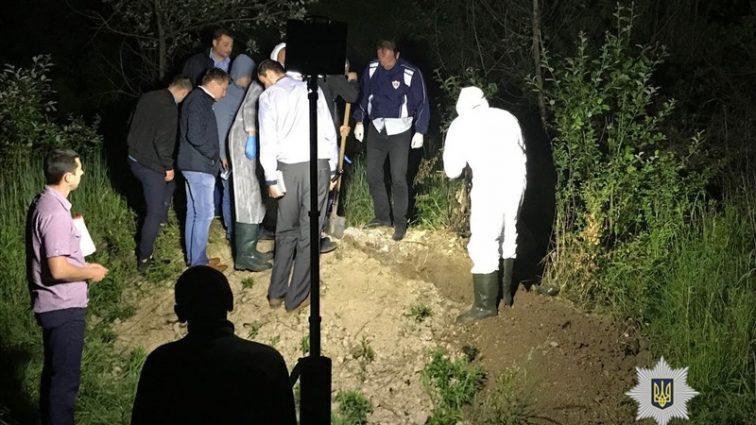 Вышел из дома с большой суммой денег: Львовянина жестоко избили и закопали у дороги