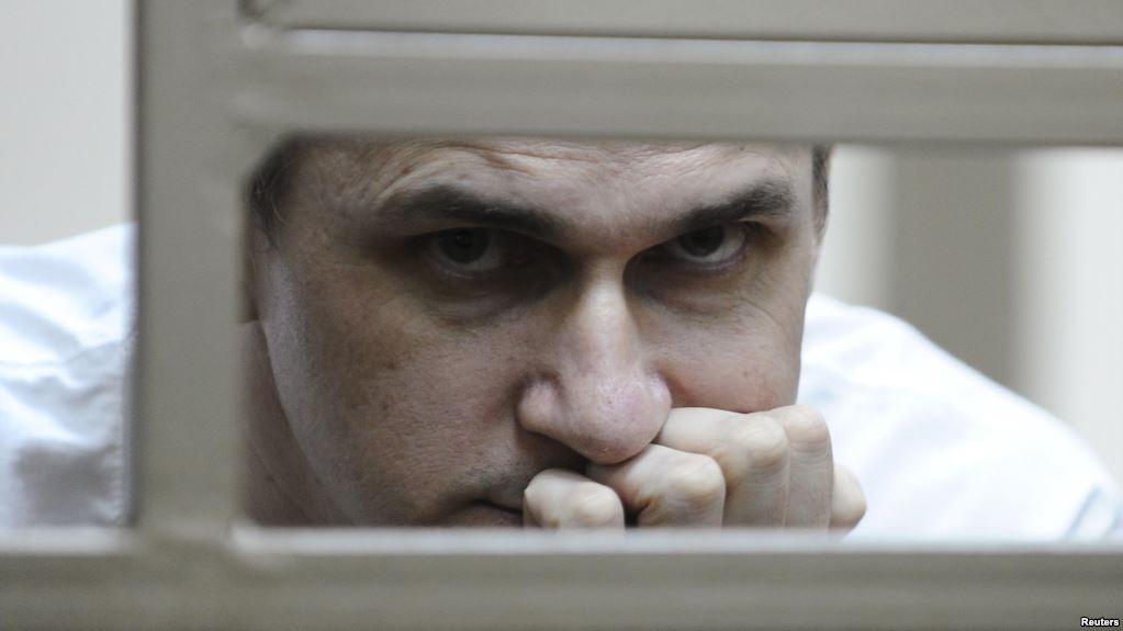 «Осталось 15 секунд, давай прощаться»: Мама Сенцова рассказала об их последним разговоре