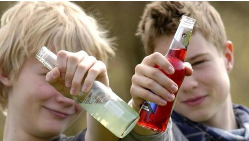 К полу смерти: На Львовщине трое детей отравились алкоголем