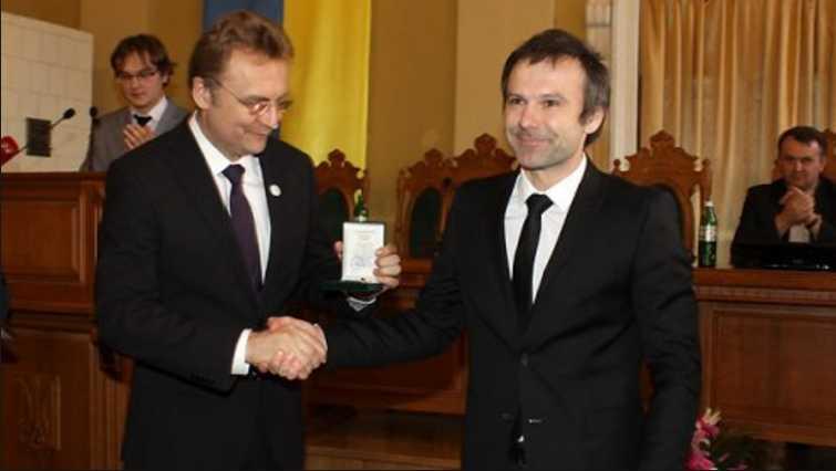 «Когда он пришел в парламент, то …»: У Садового сделали громкое заявление о президестве Вакарчука