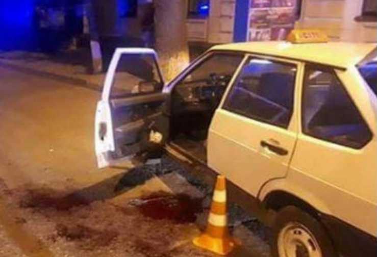 «Нанес несколько ударов топором по голове и …»: Таксист жестоко расправился со своим коллегой