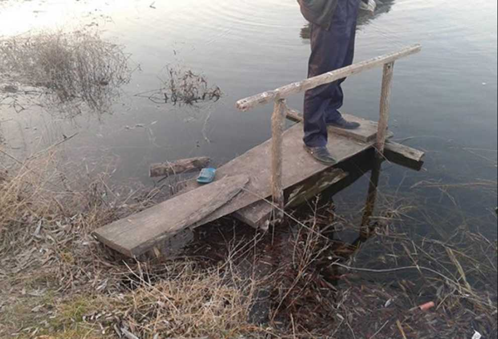 Тело обнаружили у камыша: Спасатели нашли тело ребенка, пропавшего два дня назад