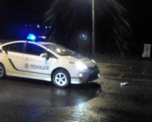 «Жесткое задержание»: Полицейские впятером избили водителя (видео)