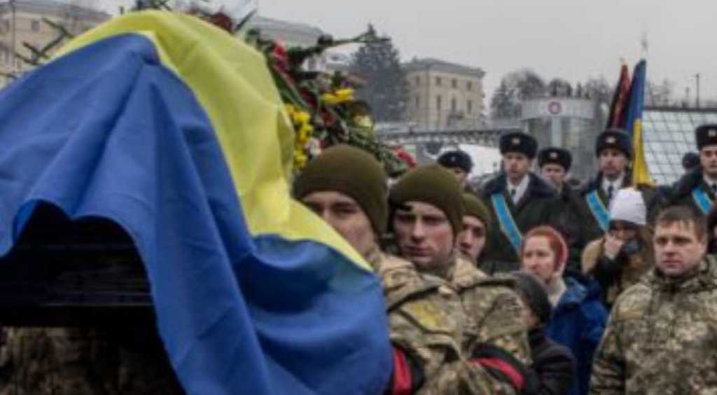 «В гроб сыну мы положили рыцарский меч и залитый кровью флаг Украины»: Как провожали в последний путь Героя Украины
