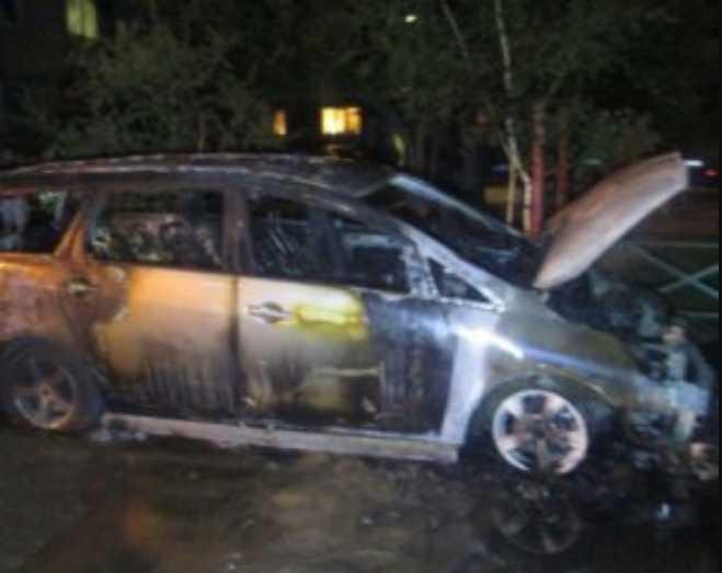 Это предупреждение? Неизвестные сожгли авто одиозного прокурора