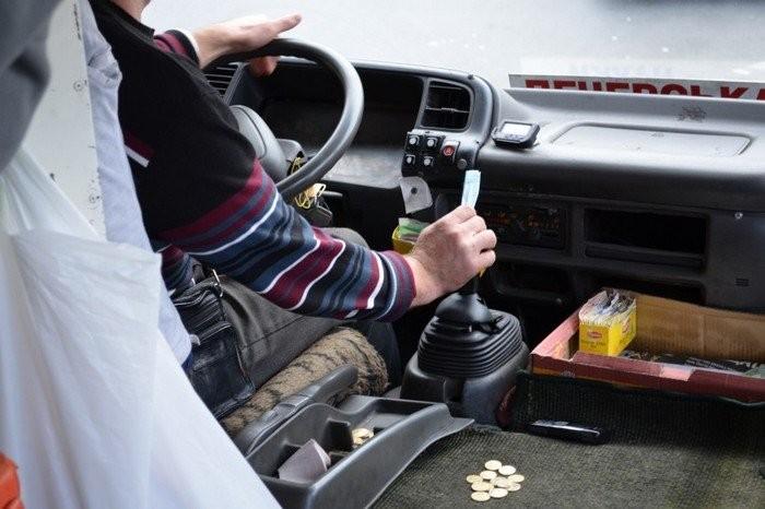 «Мне все равно, кто у тебя умер!»: Поведение водителя маршрутки в Ровно возмутило украинцев