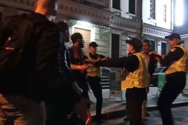 В столичном кафе произошла массовая драка: Пьяный «спортсмен» побил трех человек