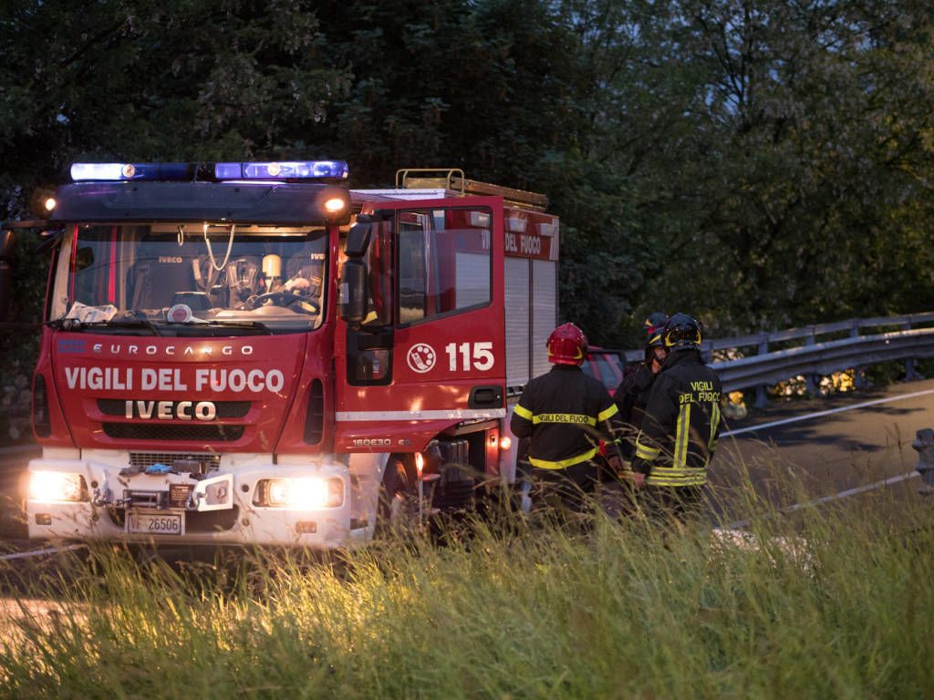 «По неизвестным причинам вылетел с автомагистрали и перевернулся»: Украинцы попали в страшную аварию в Италии